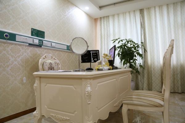 成都军大医学研究所附属医院环境图1